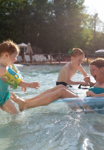 Pool, family, mom, dad, two kids