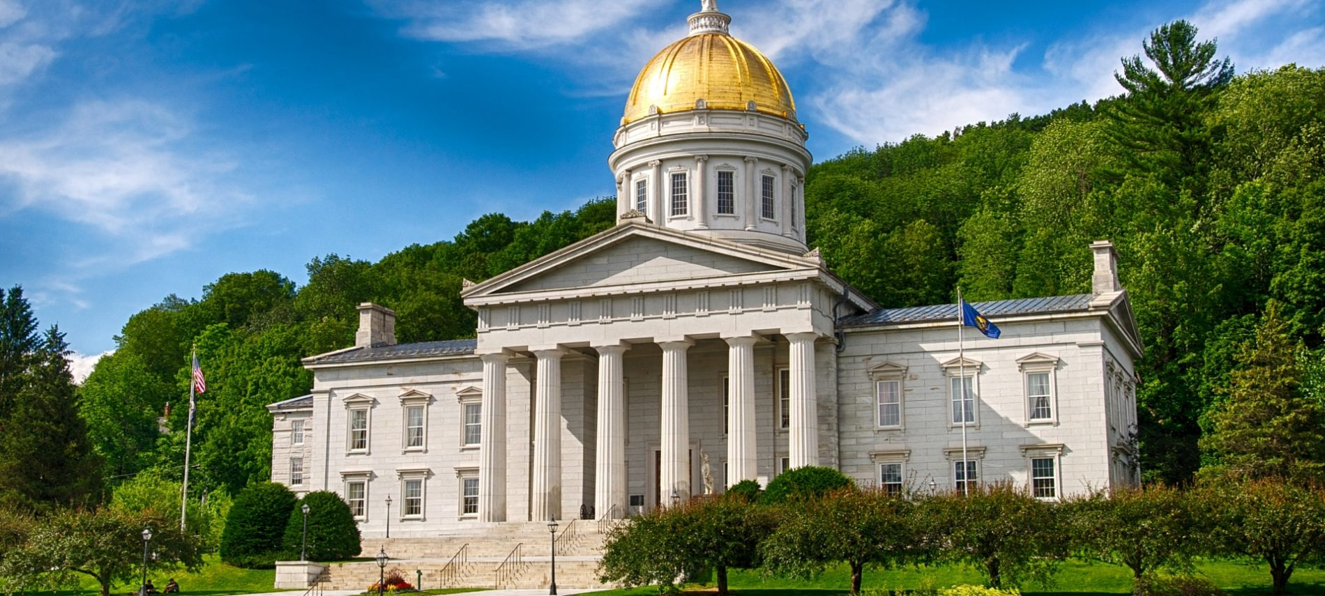 vermont state house with gold dome